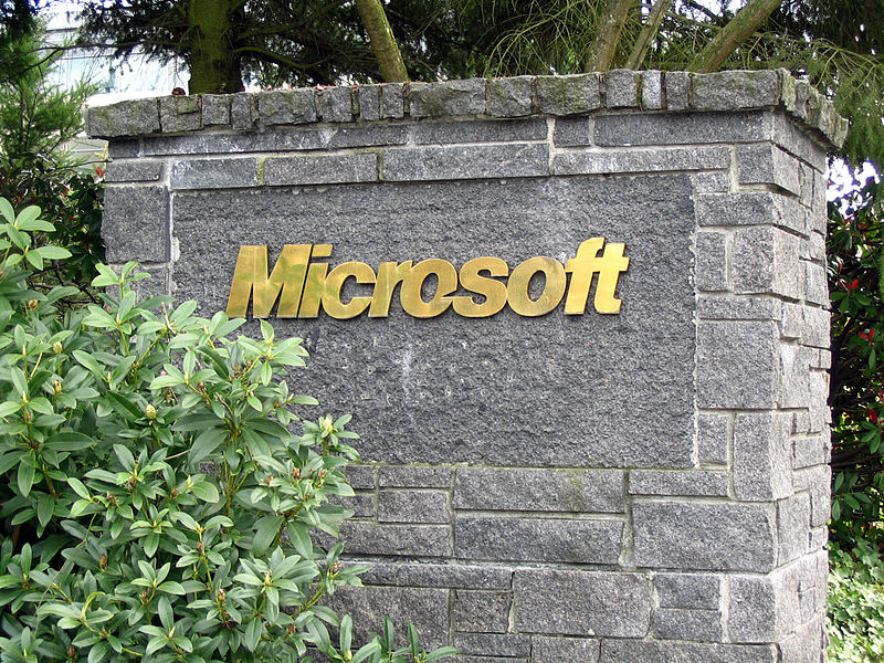 1985–1995: Windows and Office