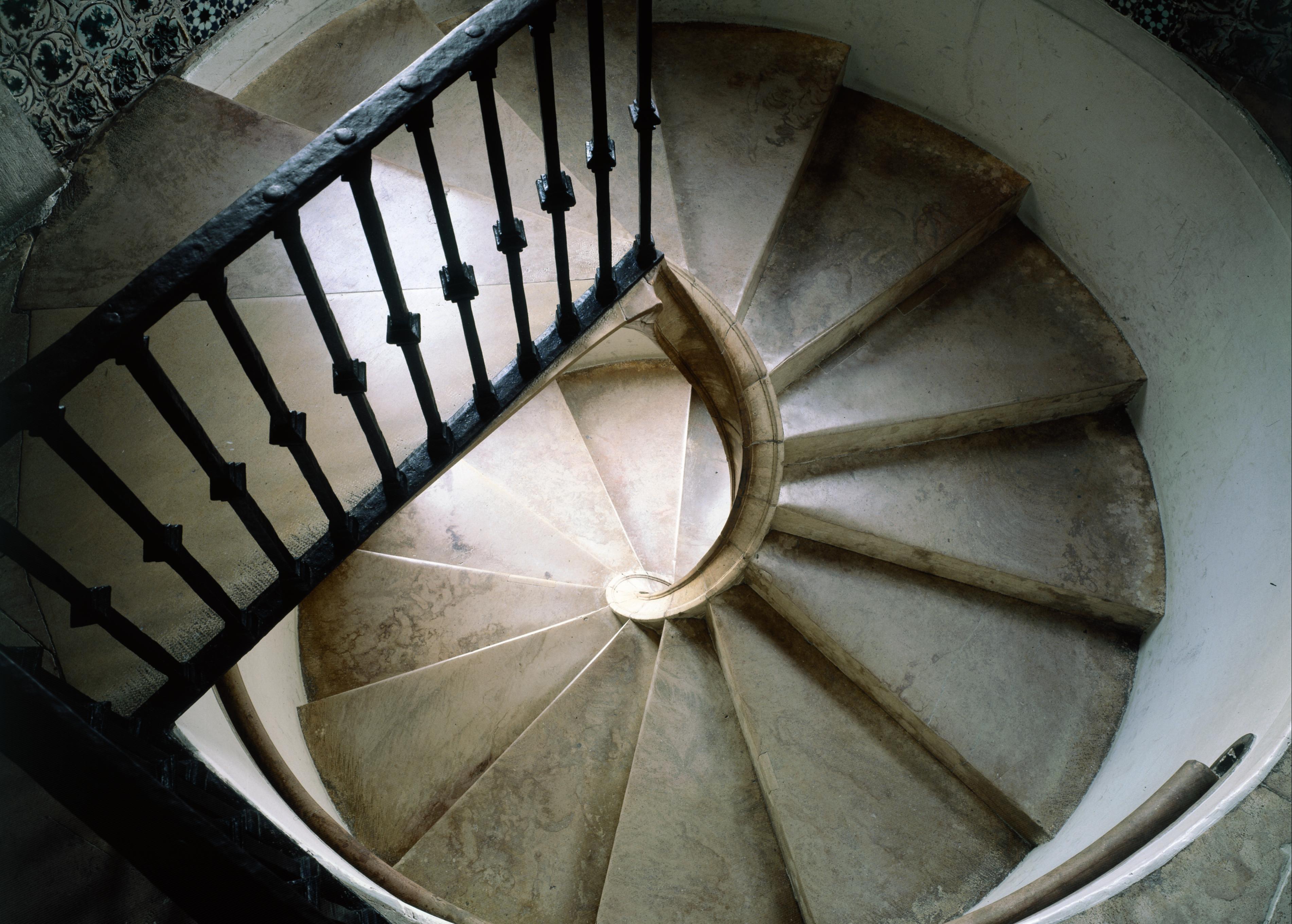 Acrescentam-se um novo paço, escadas e passagens