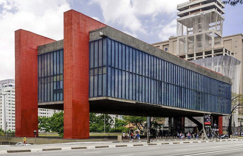 MASP - O Museu de Arte de São Paulo é aberto ao público.