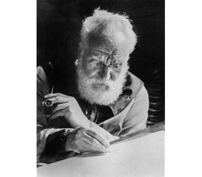 O primeiro registro de transmissão elétrica de voz / Invenção do Telefone