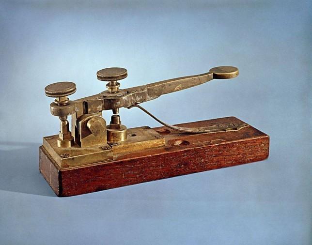 Samuel Morse transmitia o primeiro telegrama / Invenção do Telégrafo