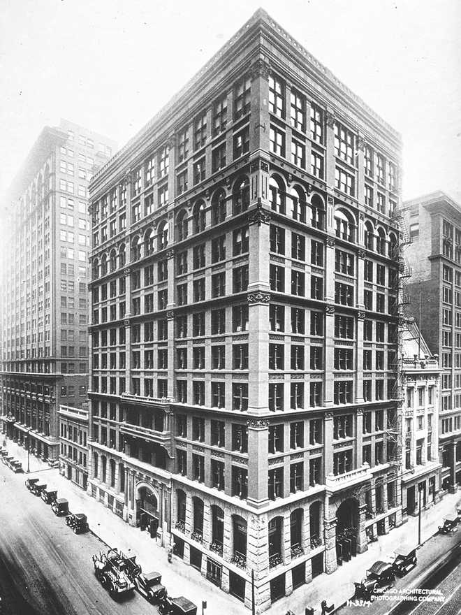 Construction of the first skyscraper in Chicago