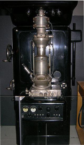 Criação do microscópio eletrônico