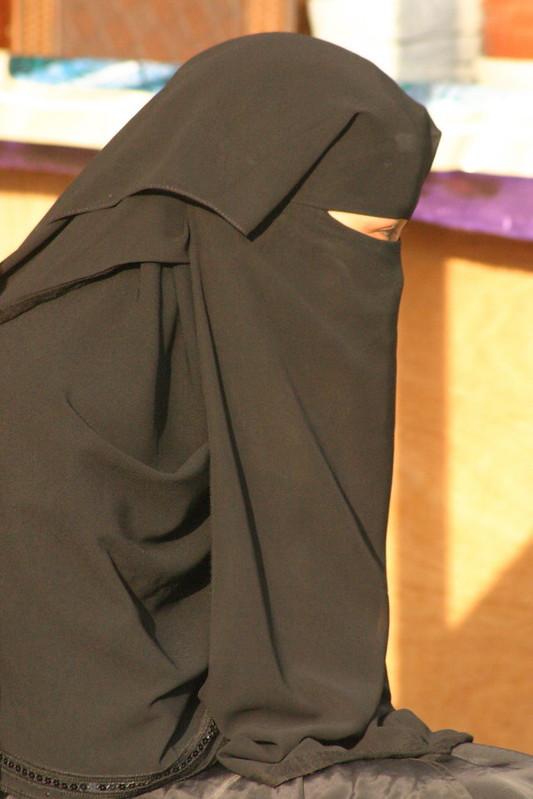 Saudi Arabia: first election that allows women to vote