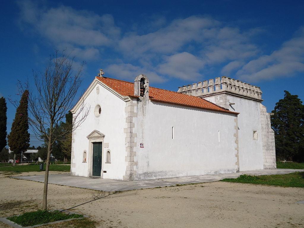 Começa a construção da capela de S. Jorge, em Aljubarrota.